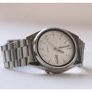 http://www.horlogesvantoen.nl/165-thickbox/seiko-5-automaat-met-mooie-dial.jpg