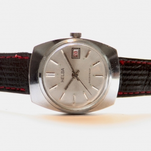 http://www.horlogesvantoen.nl/341-thickbox/helsa-shockproof-dresswatch.jpg