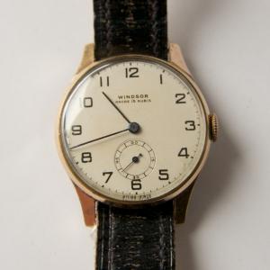 http://www.horlogesvantoen.nl/641-thickbox/windsor-jaren-40-50-vintage-herenhorloge-cal-durowe-1955.jpg