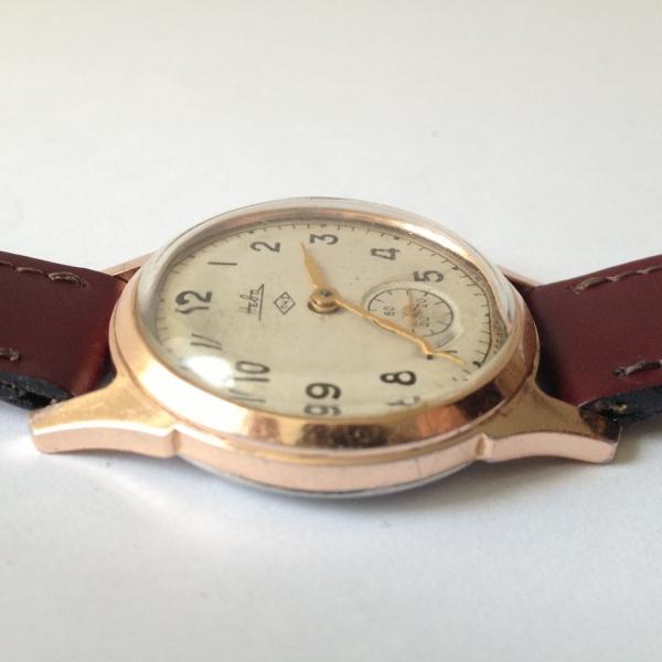 rose kleurig horloge
