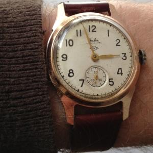 http://www.horlogesvantoen.nl/714-thickbox/zim-heba-russisch-herenhorloge-handopwinder-rose-goud.jpg